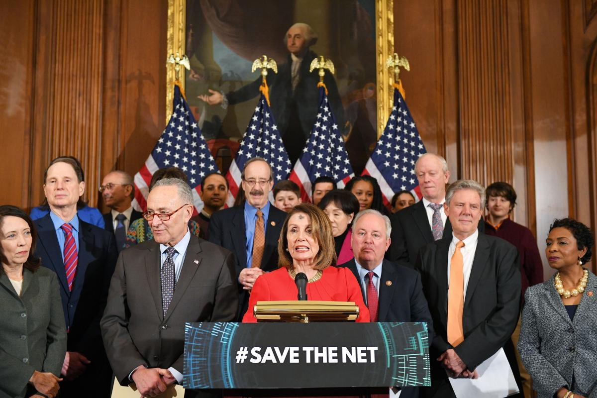 Lawmakers unveil Save the Internet Act